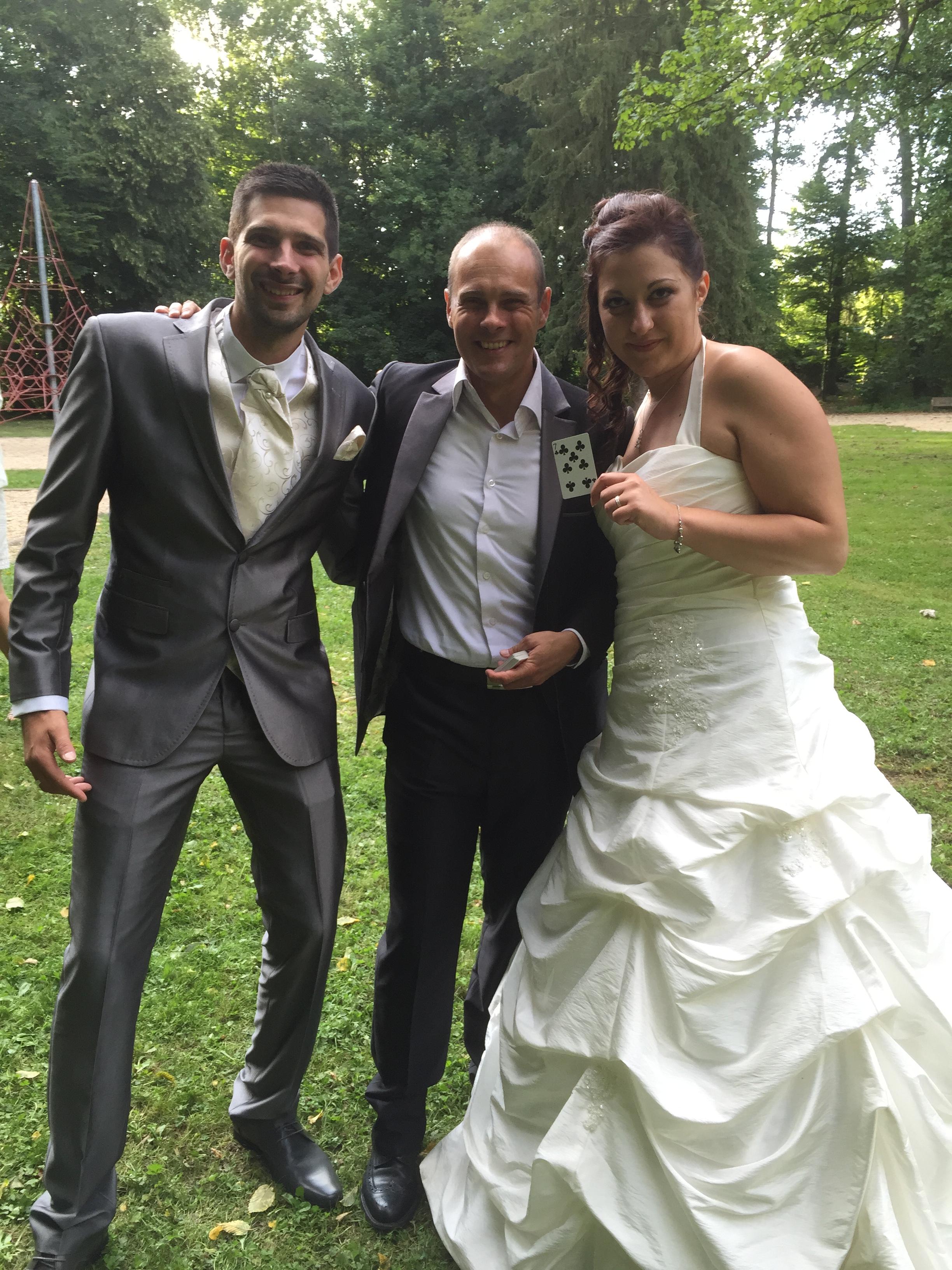 Tour de magie avec les mariés